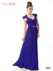Синее вечернее платье с плечиками.