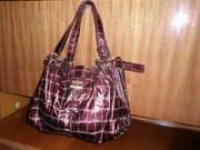 Женская, красивая, вместительная, кожзам, лаковая, бардово-вишнёвая сумка.